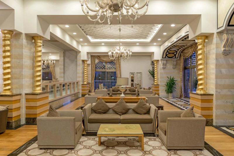 royal holiday palace 2019 2020 jetzt buchen. Black Bedroom Furniture Sets. Home Design Ideas